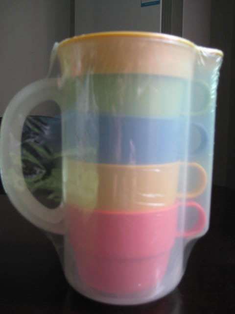 1L pitcher with 4 cups set